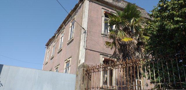 19 CENTURY HOUSING VILA NOVA DE GAIA / PORTO